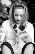 Кейт Хадсон (Kate Hudson) с бернским зенненхаундом по кличке Нана.