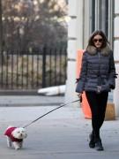 У Оливии Палермо, одной из самых стильных девушек в Нью Йорке, собака тоже модница. Мальтийской болонке в куртке цвета фуксии не страшны ни холода, ни нападки модных блогеров