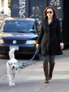 Оливия Уайлд без ума от своей собаки Пако. Девятилетний четвероногий друг — верный спутник актрисы, а в прошлом году Оливия назвала его бойфрендом. В шутку, конечно
